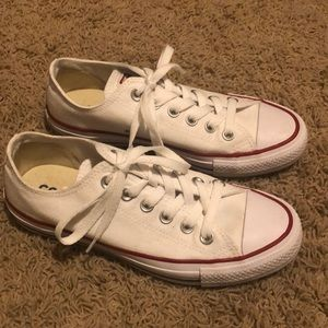 Women's white converse sneakers in size 6.5